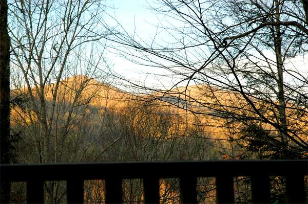 Near tsali mountain biking trails nantahala white water for Watershed cabins lake fontana view